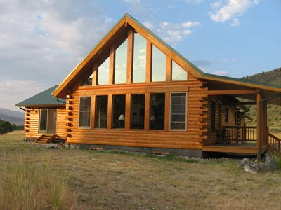 The Yellowstone Retreat overlooking the Yellowstone River