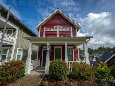 Photo for The C House: 3 BR / 3.5 BA house in Lincoln City, Sleeps 8