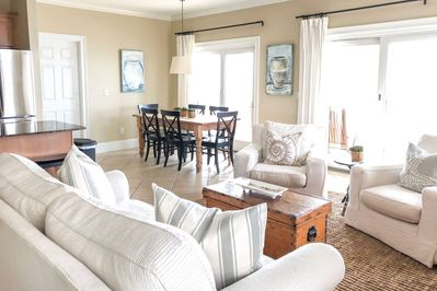 Open Area Living Space - Relax with plenty of room for the family...