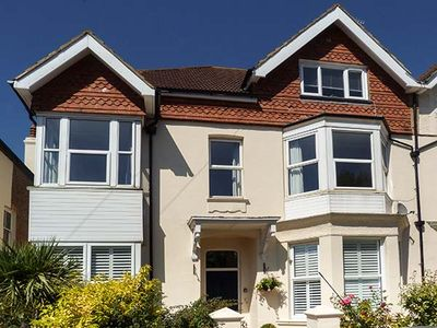 Photo for BOWMAN'S RETREAT, family friendly in Bexhill-On-Sea, Ref 938027