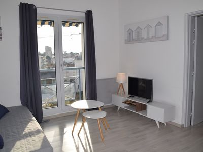 Photo for appt 4/6 pers, residence with swimming pool 100 m beach, shops and casino Royan