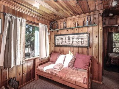 Photo for Perfect Cabin, 2 Bedrooms, Fireplace, Midtown, Sleeps 5