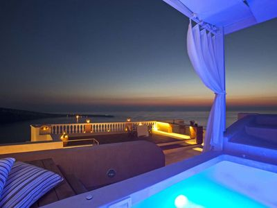 Photo for Luxurious 4-bedroom Oia SANTORINI Captain's villa with Jacuzzi – Accommodates up to 8-people