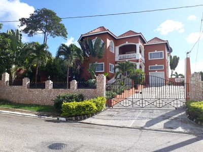 Villa for Rent in Negril with Private Pool