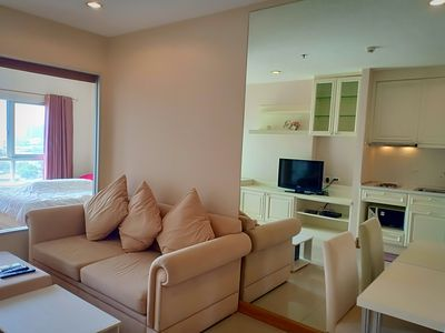 Photo for Luxury apartment with sky lounge on Chaopraya river view&Bangkok panorama view.