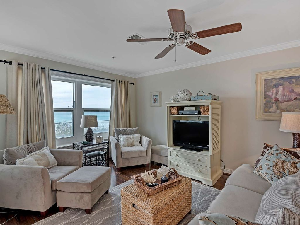 Beach Front Condo with gorgeous Gulf Views!  Sleeps 6 large image 8