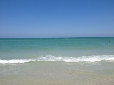 Photo for Adorable Furnished Studio ~ Minutes to the Beach