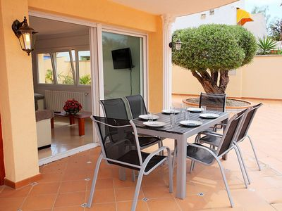 Photo for Apartment in the center of Empuriabrava with Parking, Internet, Washing machine, Pool (105109)