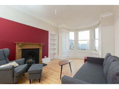 Photo for Spacious 1BR Flat With View in Edinburgh -sleeps 4