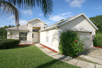 Photo for Come and stay in the heart of Kissimmee in our beautiful three bedroom villa