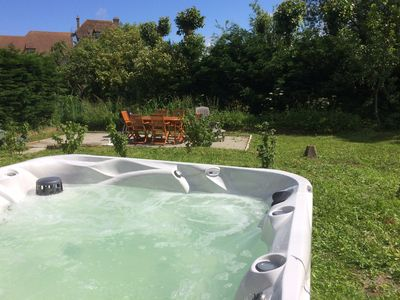 Photo for Listed house 8/9 pers with jacuzzi 100m from the beach and trade