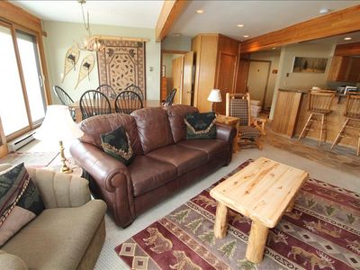 Photo for Incredible Ski in/out Gateway Condo. Comfortable, pet friendly, hot tub!