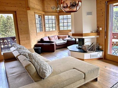 Photo for Quiet, near the village and the free shuttle stop for the cableway, 3 bedrooms, wifi and parking spa