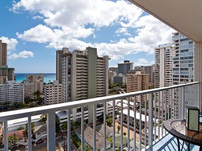 Ocean View Remodeled Condo, Pool, Hot Tub, BBQ, Roof Top Deck, Free Parking!