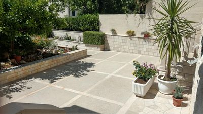 Photo for Two bedroom apartment with terrace Bol (Brač)