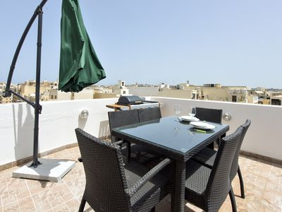 Photo for Relaxing with Seaviews & Jacuzzi