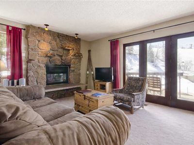 SE038 by Mountain Resorts ~ Private Deck with Great Views, Hot Tub and Ski in/out!