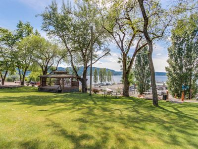 Photo for Cozy, waterfront home on Lake Coeur d'Alene - walk to downtown Harrison!