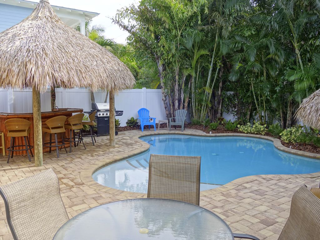 tiki cottage awesome villa with tropical t vrbo