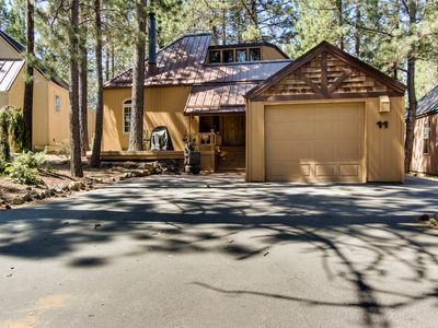 Photo for Rustic-chic home w/private hot tub & SHARC access, great location!