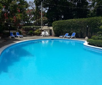 Photo for Guest-friendly 2-BD central condo near beach, with pool, Wi-Fi, cable TV