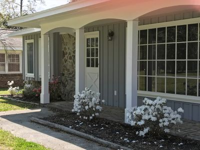 (Studio/in-law suite with own entrance & own patio). Walk to  beach!