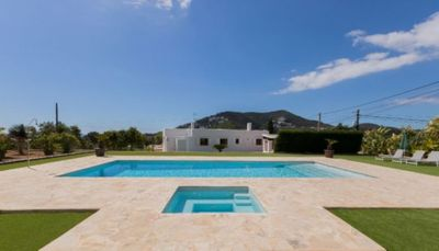 Photo for Beautiful Country Estate with Pool, Wi-Fi, Garden, Terrace and Mountain View; Parking Available