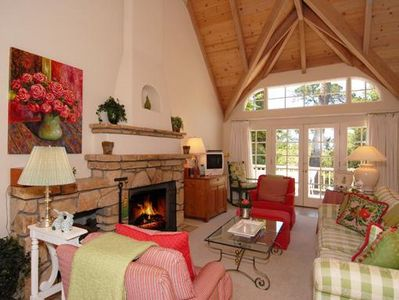 Photo for Charming Carmel Cottage - Picture Perfect!