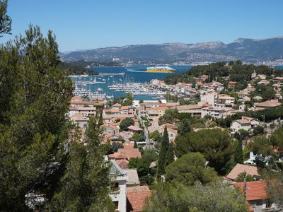 Photo for Apartment 4 to 6 people, exceptional sea views over the harbor of Toulon
