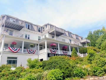 Awesome Perkins Cove 1Br 2Ba Condo Hillcrest Inn Available May Dec Home Interior And Landscaping Palasignezvosmurscom