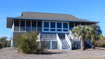 Photo for Great Location! Walk to Beach/Club! Screened in Porch w/ Ocean View! Sleeps 8!