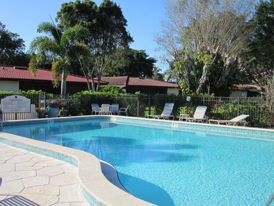 Photo for Stunning Gated Townhouse W/ Private Patio Close To Beach, Restaurants, Shop