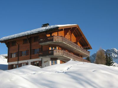 Photo for Beautiful, top floor, pet friendly, piste-side apartment with stunning views