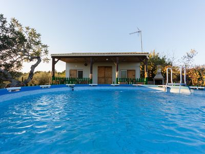 Photo for FAMILY HOUSE WITH FENCE IN THE SWIMING-POOL, BBQ, WIFI AND AIR_DISEMINATS
