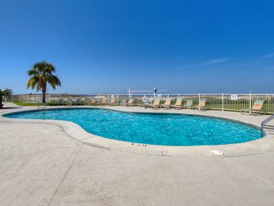Photo for Comfortable, Gulf-view condo w/shared pools, hot tubs, tennis court