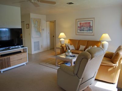 Photo for Blind Pass F211, 2 Bedroom Condo Close to Bowman's Beach