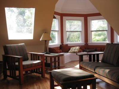 Photo for Cool 2 BR Penthouse, Sun Deck, Mountain & City Views, Walk to Shops & Cafes