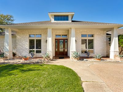 Photo for Beautiful Ranch Home in the Hill Country near Lake Travis