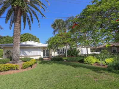 Photo for Longboat Key 22 in Longboat Key. Totally renovated and beautifully appointed 4 bed, 3 bath