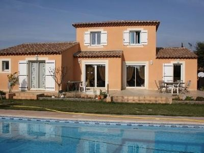 Photo for Recent villa with private pool in seyne sur mer