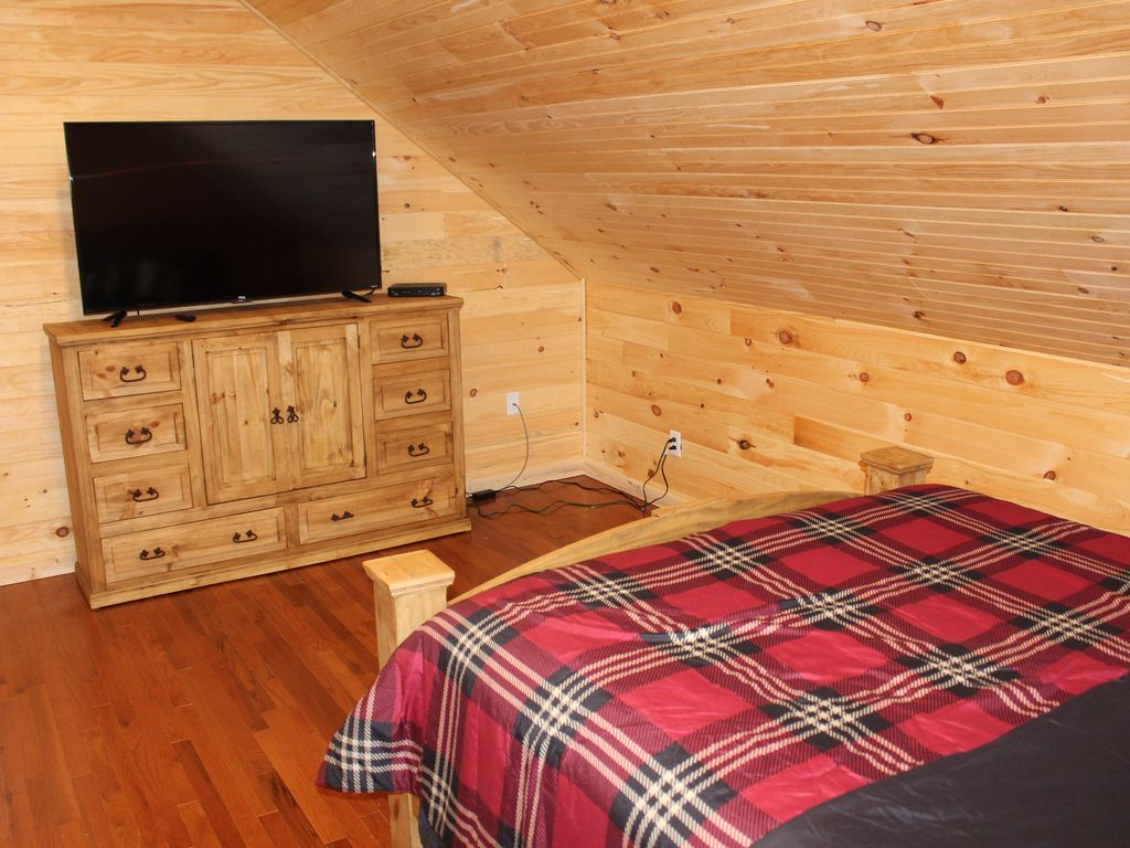 December Special 20 Off Nightly Fireplace Hot Tub 25