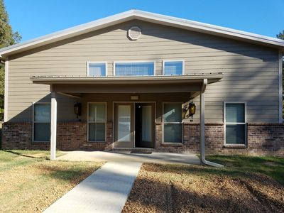 BIG OAKS LODGE  New Lodge! 3 bedroom, 3 1/2 baths, full kitchen and laundry.