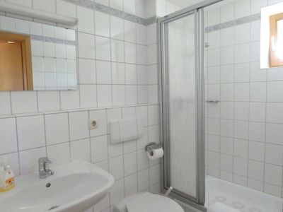 Photo for Cosy apartment for 2 people with WIFI, TV, balcony and parking
