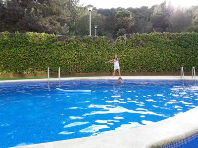 Photo for Sunny apartment, three bedrooms and two bathrooms, family. Garden and Pool.