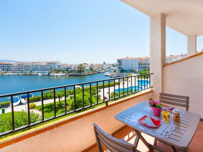 Photo for One bedroom Apartment, sleeps 4 in Empuriabrava with Pool