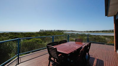 Photo for BREAKWATER 4 - 4/1 Narira Street. Beachfront, amazing views, great location!