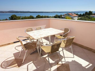 Photo for Three bedroom apartment with terrace and sea view Tkon (Pašman)
