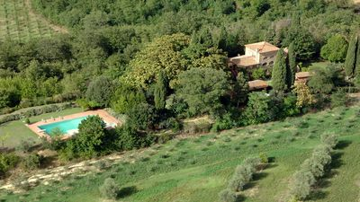 Photo for Villa Poggialto 12 sleeps, Tuscan private villa with large pool and big garden