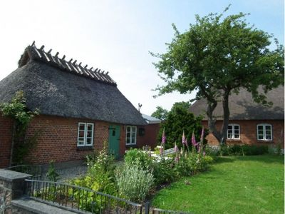 Photo for Martins Ziegenstall - Cozy thatched cottage in the heart of fishing