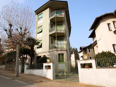 Photo for Apartment in the center of Stresa with Parking, Internet, Washing machine, Garden (124325)